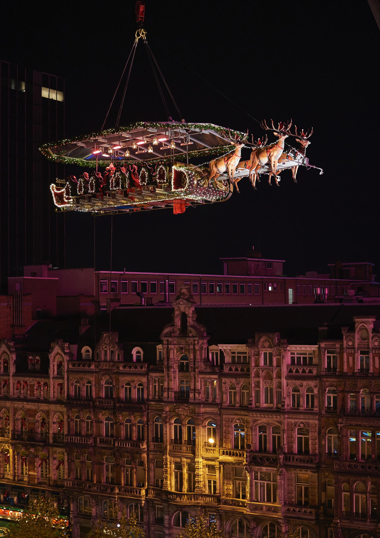 santa-dinner-in-the-sky-noel
